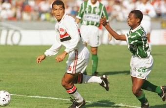 7 de Junho - 1970 – Cafu, ex-futebolista brasileiro - lateral direito, campeão do mundo - no São Paulo.
