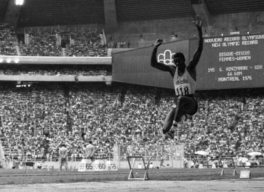 28 de Maio - 1954 — João do Pulo, atleta, especializado em saltos, sendo ex-recordista mundial do salto triplo, medalhista olímpico, militar e político brasileiro.
