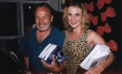 28 de Abril - Stenio Garcia com a esposa Marilene Saad em 2016.