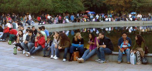 26 de Março - Porto Alegre (RS) - Amostragem da população num domingo no Parque Farroupilha.