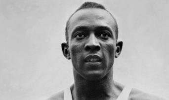 25 de maio - Jesse Owens bate 5 recordes mundiais num espaço de 45 minutos - Dia da África