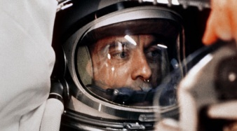 5 de Maio - 1961 — Programa Mercury — Mercury-Redstone 3 — Alan Shepard torna-se o primeiro americano a viajar para o espaço sideral, num voo suborbital.