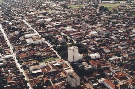 4 de Julho – Vista aérea da cidade — Ibitinga (SP) - Capital Nacional do Bordado — 127 Anos em 2017.