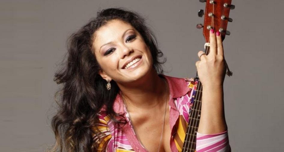 26 de Junho - 1979 – Luka, cantora e compositora brasileira.