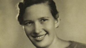 16 de Abril - 2007 — Maria Lenk, nadadora brasileira (n. 1915).