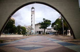 1 de Agosto – Fachada da Catedral do Divino Espírito Santo localizada na Praça Rui Barbosa, no centro da cidade — Bauru (SP) — 121 Anos em 2017.