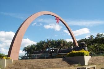 9 de Outubro - Praça do Areião — Itabira (MG) — 169 Anos em 2017.
