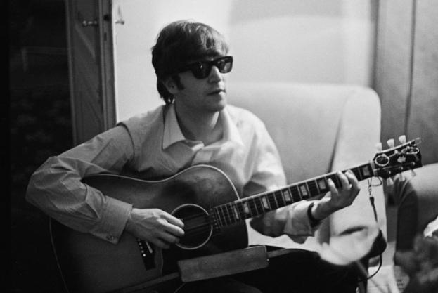 9 de Outubro - John Lennon - 1940 – 77 Anos em 2017 - Acontecimentos do Dia - Foto 5.