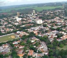 6 de maio - Tomada aérea de Mandaguari, Paraná.