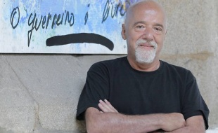 24 de Agosto — Paulo Coelho - 1947 – 70 Anos em 2017 - Acontecimentos do Dia - Foto 20.