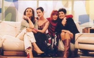 1 de Maio - Entre 2002 e 2003, Young coapresentou, ao lado de Rita Lee, Mônica Waldvogel e Marisa Orth, o programa feminino Saia Justa no canal a cabo GNT.