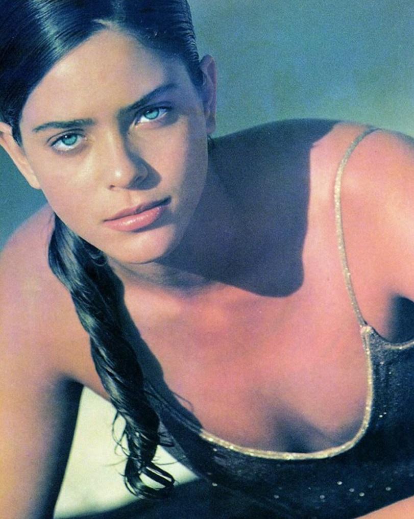 27-de-janeiro-adriana-de-oliveira-modelo-brasileira
