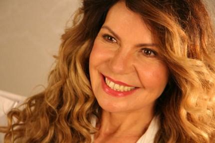 17 de Agosto - Elba Ramalho, cantora