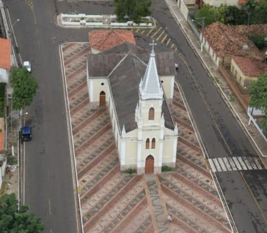 17 de Abril - Bacabal, Maranhão. Igreja de Santa Teresinha. Aérea.