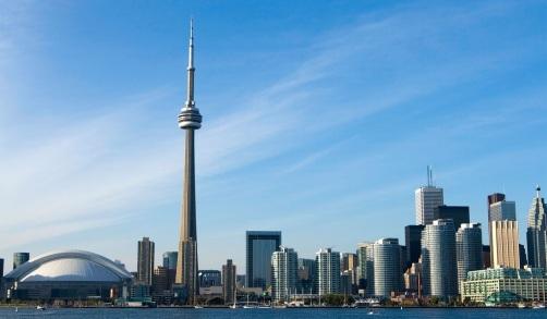 26 de Junho - 1976 - A CN Tower, a maior estrutura auto- sustentada do mundo, é inaugurada.