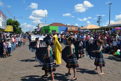 19 de Agosto – Comemorações do Aniversário de 66 Anos da cidade — Desfile e apresentações - Vianópolis (GO) — 69 Anos em 2017.