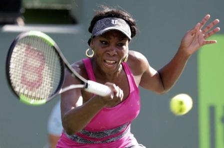 17 de Junho - Venus Williams jogando.