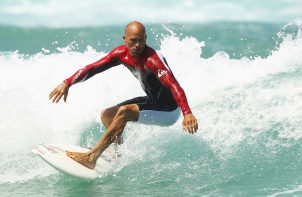 11-de-fevereiro-kelly-slater-surfista-norte-americano