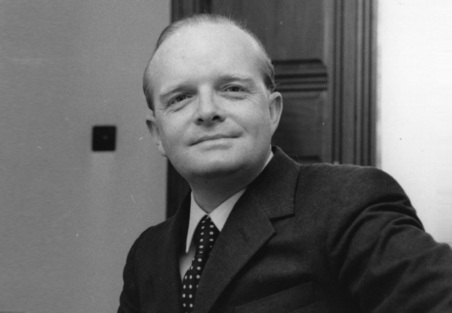 25 de Agosto — 1984 — Truman Capote, escritor norte-americano (n. 1924).