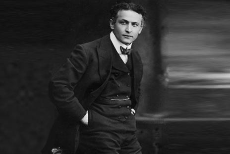 24 de Março - Harry Houdini, ilusionista húngaro