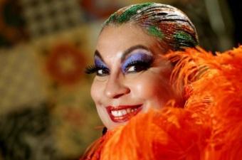 22 de Abril - 1949 – Maria Alcina, cantora brasileira.