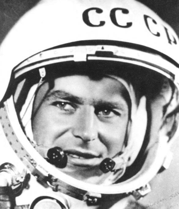 11 de Setembro – 1935 - Gherman S. Titov, cosmonauta russo (m. 2000).