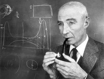 22 de Abril - 1904 — Robert Oppenheimer, físico estadunidense (m. 1967).