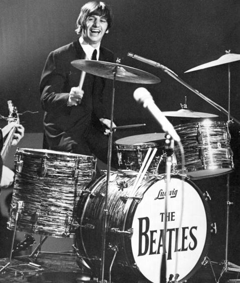 7 de Julho – Ringo Starr - Richard Starkey, vocalista (Álbuns Solo) e baterista inglês (The Beatles).