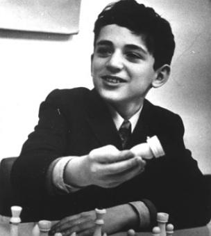 13 de Abril - 1963 - Garry Kasparov - ex-enxadrista azerbaidjano, aos 11 anos, em Vilnius, no ano de 1974.