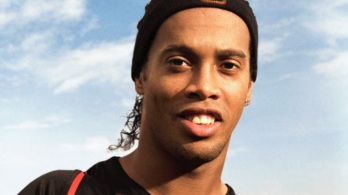 21 de Março - Ronaldinho Gaúcho, futebolista brasileiro.