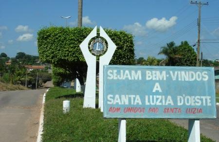 11 de Maio - Santa Luzia D'Oeste (RO) – Placa de boas vindas na entrada da cidade.