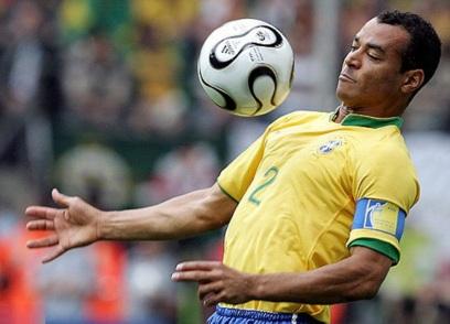7 de Junho - 1970 – Cafu, ex-futebolista brasileiro - lateral direito, campeão do mundo - jogando, seleção brasileira.