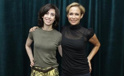 15 de Setembro – Fernanda Torres - 1965 – 52 Anos em 2017 - Acontecimentos do Dia - Foto 21 - Fernanda Torres e Andreia Beltrão (Fátima e Sueli, em Tapas e Beijos).