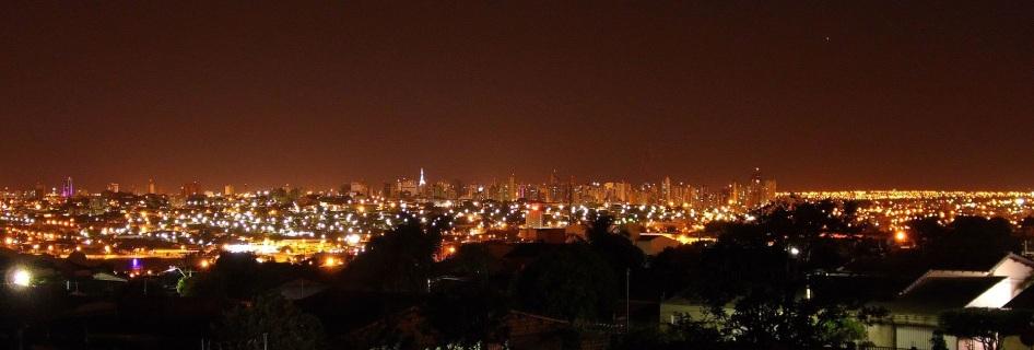 31 de Agosto — Vista panorâmica noturna — Uberlândia — 129 Anos em 2017.