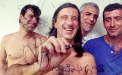 Adão, Laerte, Angeli e Glauco, autores da série 'Los 3 amigos', em foto de 2002 (Foto - Leopoldo Nunes-JC Imagem-AE)