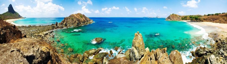 10 de Agosto – Vista panorâmica da Praia da Conceição — Fernando de Noronha (PE) — 514 Anos em 2017.
