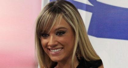 24 de Setembro – 1986 – Juliana Salimeni, modelo e assistente de palco brasileira.