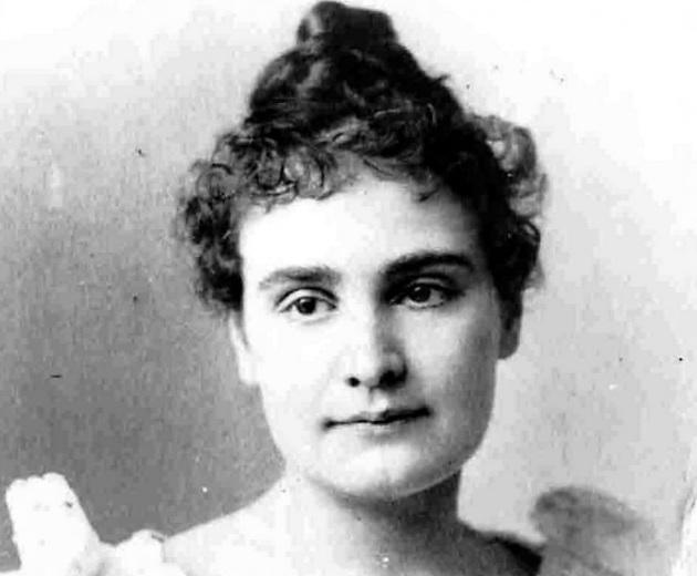 14 de Abril - 1866 — Anne Sullivan, professora estadunidense (m. 1936).