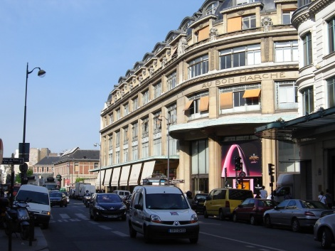 3 de Outubro - Allan Kardec - 1804 – 213 Anos em 2017 - Acontecimentos do Dia - Foto 9 - Rue de Sévres, localizado no edifício de número 35 - Instituto Técnico Rivail, de 1826 a 18