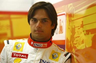 25 de Julho - 1985 – Nelsinho Piquet, piloto brasileiro de automobilismo.