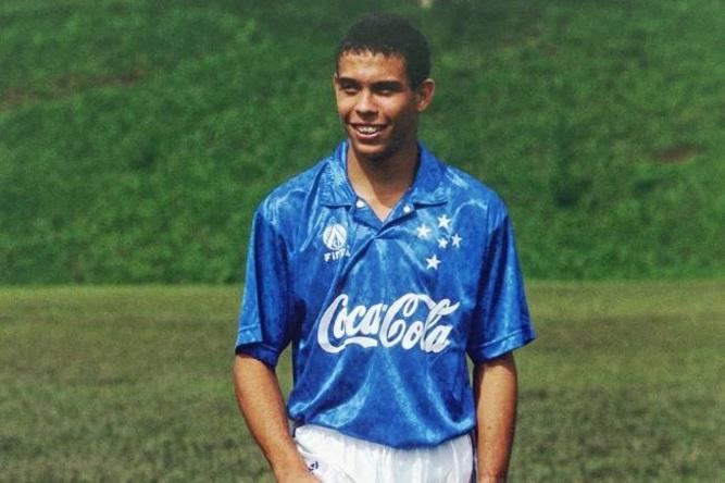 22 de Setembro – Ronaldo Nazário - Fenômeno - 1976 – 41 Anos em 2017 - Acontecimentos do Dia - Foto 17.