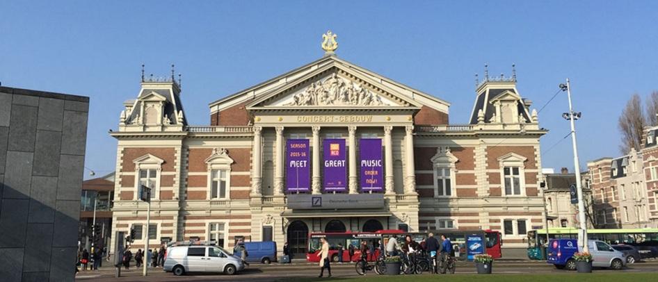 11 de Abril - 1888 - É inaugurado o Concertgebouw em Amsterdã.