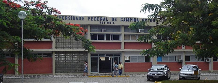 9 de Abril - 2002 — Criada a Universidade Federal de Campina Grande - UFCG a partir do desmembramento da Universidade Federal da Paraíba - UFPB.