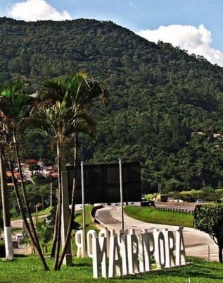 27 de Março - Entrada da cidade de Mairiporã - SP.