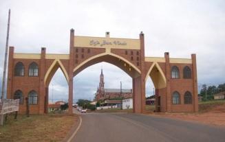 15 de Maio - Monte Alto (SP) - Entrada da cidade.