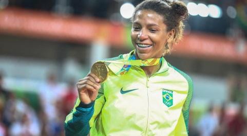 24 de Abril - 1992 — Rafaela Silva, judoca, medalhista olímpica brasileira.