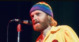 15 de Março - Mike Love, cantor e compositor estado-unidense.