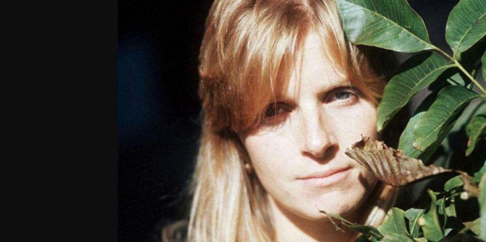 17 de Abril - 1998 — Linda McCartney, fotógrafa, cantora e ativista americana (n. 1941).