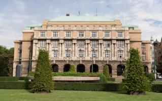 7 de Abril - 1348 — Fundação da Universidade Carolina em Praga.