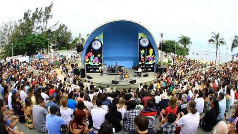 10 de Abril - Rio das Ostras, RJ, público na concha acústica.
